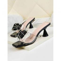 FASHIONABLE LADIES FOOT WEAR WITH ROUND HEEL
