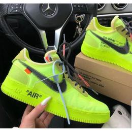 NIKE CLASSIC SPORTS BREATHABLE SNEAKERS