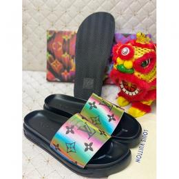 LOUIS VUITTON DESIGNERS MEN'S FLIP FLOPS 110 (AVAILABLE IN ALL SIZES)