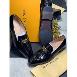 LOUIS VUITTON HIGH QUALITY LUXURY MEN'S SHOE (AVAILAIBLE IN ALL SIZES) 326