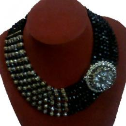 House of beauty 6layers beads + 1 quality brooch