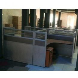 4-Men Workstation with Pedestals